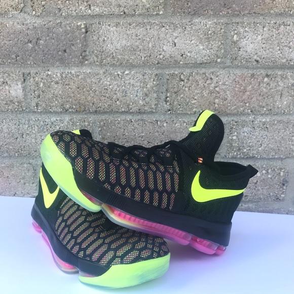 "promo code a8eaf c6e6f NWOT Kids Nike Zoom KD9 ""Unlimited"" Olympic. M 5af8c87ccaab44ae1df7c1f5"